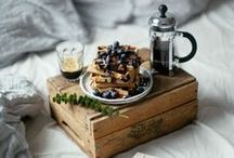breakfast. / food photography, food styling, food pictures, food pics, breakfast, recipes, eggs, porridge, granola, pictures of food