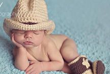 Baby Photo Props / Great little accessories for baby photos! #babyphotoideas! #newbornphoto