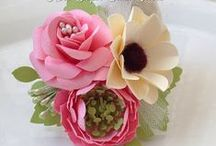 Handmade Flowers (Tutorials) / by Fatimah Hayat