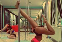 Moves like jagger / Pole dancing