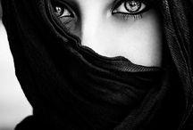 Les yeux sont le miroir de l âme / Gli occhi sono lo specchio dell' anima.