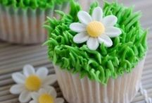 """✿ Cupcakes ✿ / """"When you look at a cupcake you've got to smile!"""""""