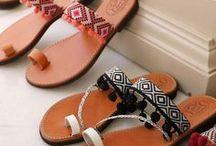 Sandales plates, femme / Sandales en cuir