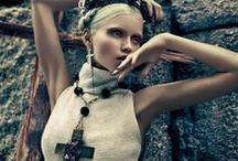 Fashion  Editorials ♠ / Fashion Editorials & Catwalk Captures