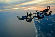Skydiving Around the World / Cool photos of skydiving adventures all over the world