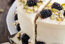 Torten Liebe / Die Königsklasse des Backens - Torten! Ob Naked Cake, Drip Cake oder Tortenklassiker - hier wird es süß!  Real cake dreams!  #einhäppchenliebe #rezepte #receipts #foodpics #foodblogger #baking #backen #torten #cakes #nakedcake #dripcake #ideen #inspiration