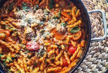 One Pot Liebe / One Pot Favorites - meine One Pot Favoriten - einfach alles in einem Topf - schnell, aromatisch und einfach lecker  #einhäppchenliebe #foodblog #foodblogger #onepotpasta #onepot #receipts #rezepte #foodpics