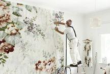 Botanical Wallpaper / Bringing the garden inside with stylish wallpaper.