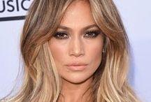 20. Musik: Jennifer Lopez / Jennifer Lynn Lopez ist eine US-amerikanische Sängerin und Schauspielerin puerto-ricanischer Herkunft / Geb. 1969 in Castle Hill, New York City, USA / Größe 1,64 m