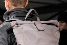 bags & pack / tutto quanto può contenere il contenibile...