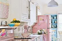 Shabby Chic... so romantic, so femme! / We love shabby chic style! Get inspired!