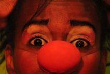 Desnudos Del Nombre / grupo de teatro circo