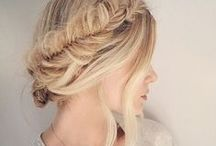 Apparence / Hairstyles. Manicures. And makeup. We love makeup.