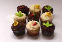 Cupcakes decorados. / Imágenes que muestran cupcakes decorados, con apariencia muy provocativa.
