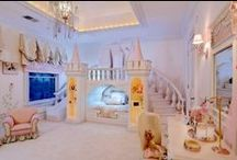 Child Decor / Childrens Rooms / by Rebecca Boers