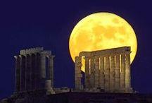 """Moon /      """"J'aime penser que la lune est là, même si je ne la regarde pas."""" Albert Einstein"""