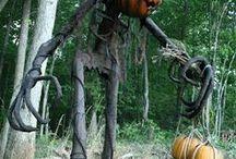 Halloween creepy / qualunque cosa è spaventosa: costumi e decorazioni per halloween. streghe, fantasmi,clourlfobia...