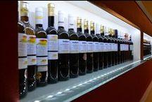 Lahve vína (Wine Bottles) / Míjí nás spousta lahví vína. Některé jejich fotky máme raději, u jiných zase oceníme obsah. Ať tak či tak, některé jsem pro vás vybrali.