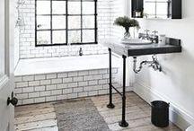 Bathrooms | Baños