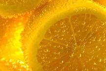 Geel →de kleur van de citroenen
