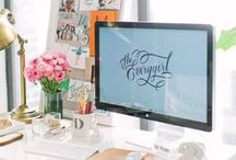 Decor | Home Office Loves / Home office design inspiration and must-haves. Get the work done in style! #office #officespace #desk