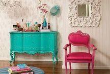 Mobiliário Recuperado e Transformado / Refurbished Furniture &Transformed