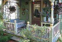 Porches and patios / by Aurelia 15
