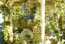 Potting sheds, tables, greenhouses and stuff / by Aurelia 15