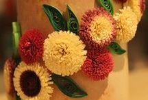 Paper Quilling on Candle Holder / Ideas for paper quilling on candle holders. Easy tips and tricks.