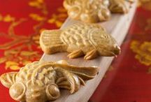 ASIAN ART of BAKING / Moon cakes, sweet dumplings, pandan sponge cakes & more from Asia through Southeast Asia!