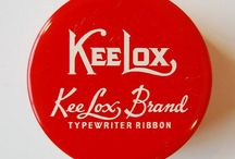 Vintage Typewriter & Ribbon / #Vintage #Typewriter #Ribbon #Ink #Tins