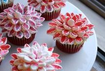Cakes and Baking Goods / Fun, easy and fantastic cakes and baking bits and bobs.