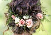 WEDDING | Hair | Hairstyles / Inspiration for wedding Hair, bridal hairstyles, wedding hair accessories, rustic and bohemian wedding hair, half hair up, romantic hair, boho hair and vintage hair up styles.