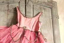 WEDDING [ Hangers + Dresses ] / Favourite ways to display pretty prom dresses, wedding and bridal gowns, bridesmaid dresses, ball gowns. Inspirational use of pretty display hangers as props and just great retail photography.