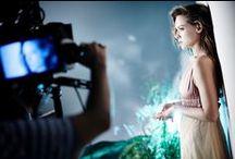 Backstage sesji - EOS / Czarująca Alicja Bachleda-Curuś w przygotowaniach do zdjęć.