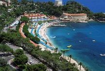 The beauty of the French Riviera. / Visit our website and check the properties in the beautiful French Riviera, from Menton to Saint Tropez and in the Italian Riviera. We're happy to help you find the property of you dreams! Check out http://rivierahomeholidays.com/en  #frenchriviera #frenchcoast