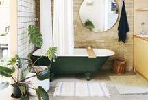 10 mesés fürdőszoba / Ezektől a csodás csempéktől és formáktól tuti könnyebben ébrednénk reggelente!