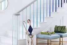 Escadas & Corredores | Stairs & Corridors / Ideias e inspirações para projeto e decoração em corredores e escadas  #decorarcomcharme #blogdedecoração #decorblog #decor #decoração #design #escadas #corredores #stairs #corridors  Olá, agradecemos a sua visita, se você pinar e seguir nossas inspirações vai ficar melhor e se compartilhar vai ser top!  Veja + Inspirações e Dicas de decoração no blog! www.decorarcomcharme.com.br