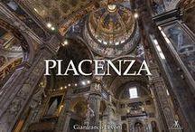 Le città secondo Levoni / Alcune tra le più belle città d'Italia ed estere raccontate dalle fotografie di Gianfranco Levoni