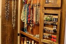 Necklace organizing / Creative ways to arrange and store necklaces