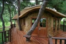 Treehouse Habitat / I find treehouse living inviting, let alone green, or eco however you choose to label the event.