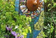Yard Art Upcycle / Ideas for repurposing ordinary objects into a yard full of upcycle artistic fun