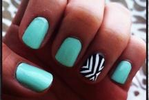 nails/makeup.