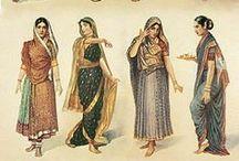 Mode Indienne / Les indiennes ont leur propre style vestimentaire! Elles aiment les tissus très colorés et n'hésitent pas à porter des vêtements ornés de broderies, perles et pierres. On est loin de la tendance minimaliste de l'Occident! Les habits de la mode indienne sont le sari: tissu de 5 m.), le salwar kameez (pantalon large+tunique+châle) et ses variantes: Anarkali (pantalon fin serré+tunique ceintrée longue+châle) et le lengha choli (longue jupe évasée+petite blouse+châle)