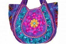 Sacs indiens/Indian bags / Notre sélection de sacs indiens brodés ultra colorés. Très tendance, ils sont parfaits pour l'été!