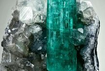 2013 Colour Trend - Emerald / by Spritz Creative