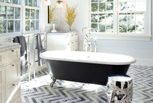 Klassische Badezimmer - Classical bathrooms. / Klassische oder auch außergewöhnliche Bäder. Classical or exceptional bathrooms.
