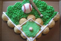 Cupcake Cakes / Pull apart cakes / by Gram