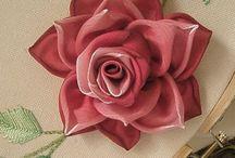 λουλούδια με κορδέλες