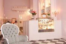 Inspiring Places / Posti magnifici dove sedersi, leggere e assaporare un buon dolce. Cosa si può desiderare di più?